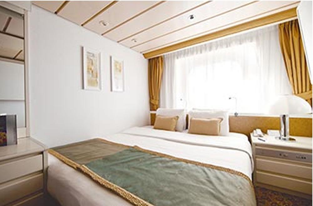 Deck cubierta 4 vom schiff horizon pullmantur for Badezimmer 16m2
