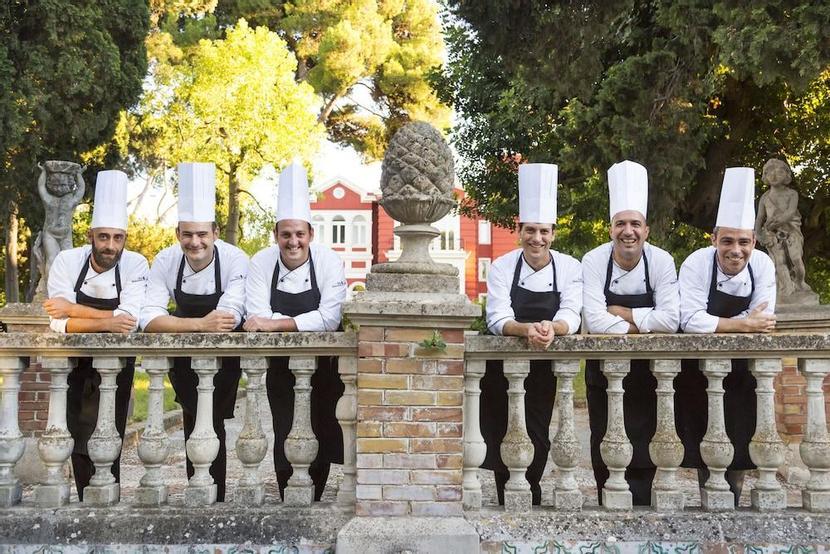 Villa Salzburg Dresden Wohndesign: Mercure Villa Romanazzi Carducci Bari, Bari Ab 57